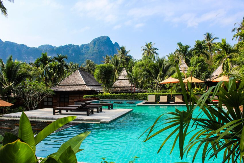 תאילנד נפתחת לתיירים