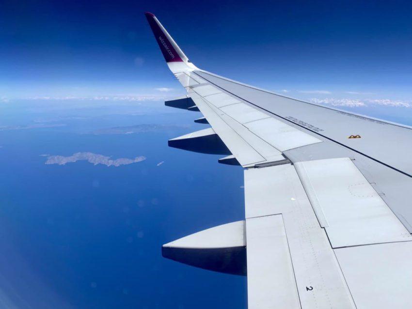 מטוס וויזאייר מעל איי יוון